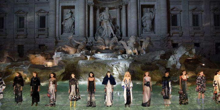 couture fountain .jpg